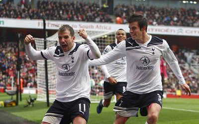 PA-Photos_t_Arsenal-2-3-Tottenham-photos-gallery-Emirates-2011q.jpg
